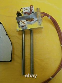 VAT TECON 090-001.3 650 Series Gate Valve Heater Controller and Elements Used